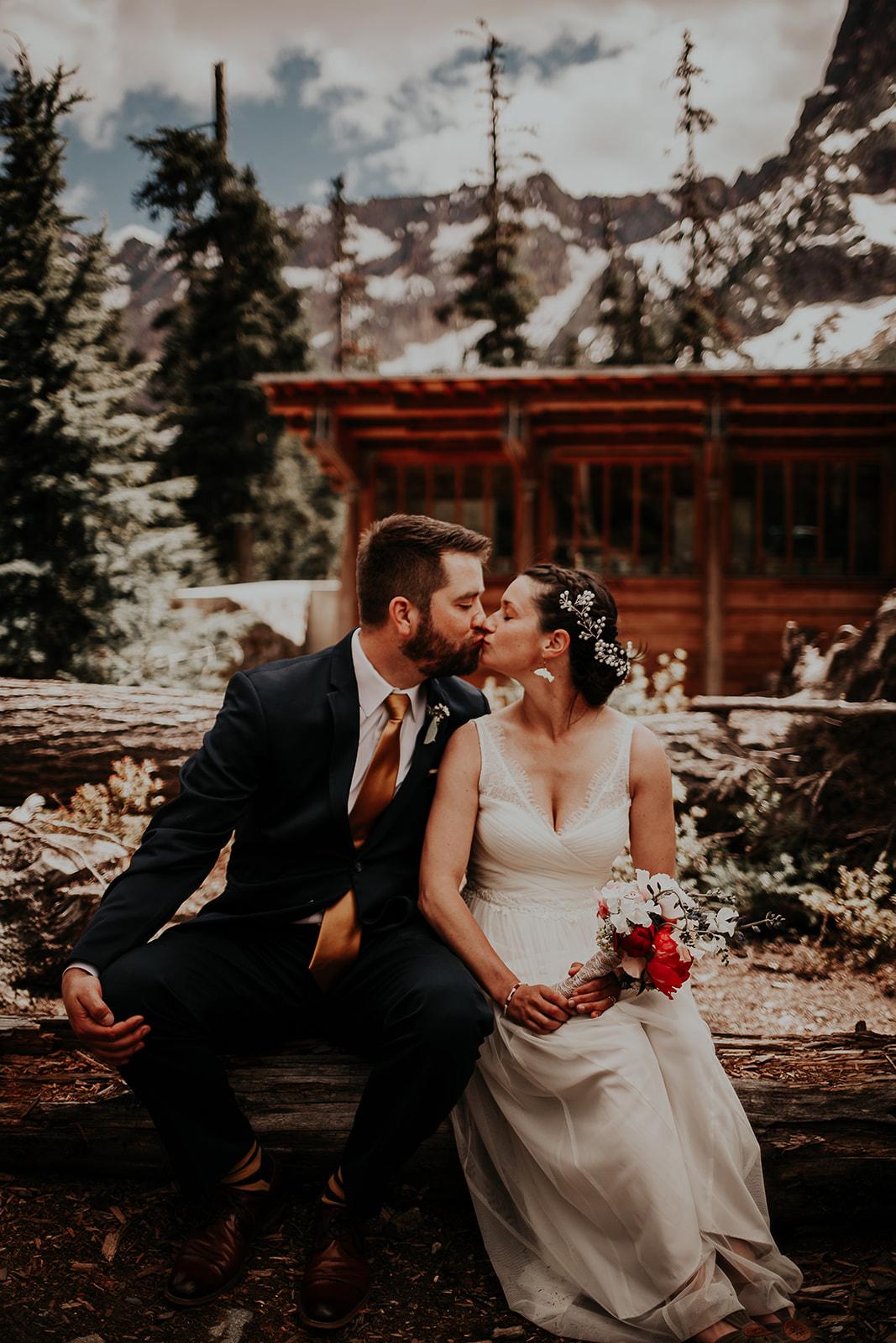 lisaandzack-north-cascades-elopement-wedding-megan-gallagher-photogarphy (22).jpg