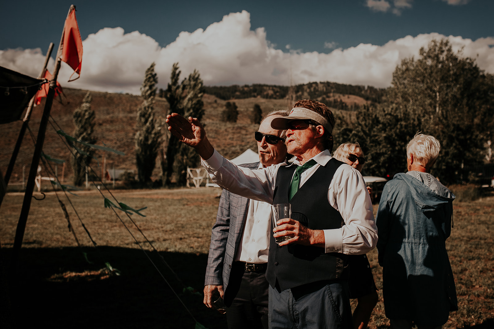 north-cascades-elopement-wedding-winthrop-wedding-photographer-megan-gallagher-photography (10).jpg