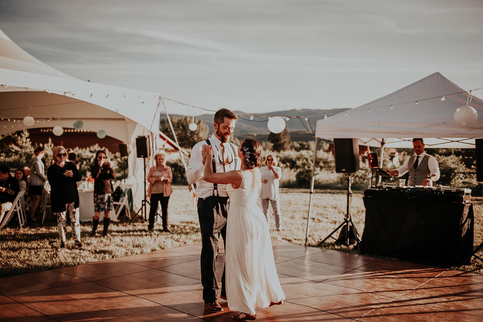 north-cascades-elopement-wedding-winthrop-wedding-photographer-megan-gallagher-photography (28).jpg