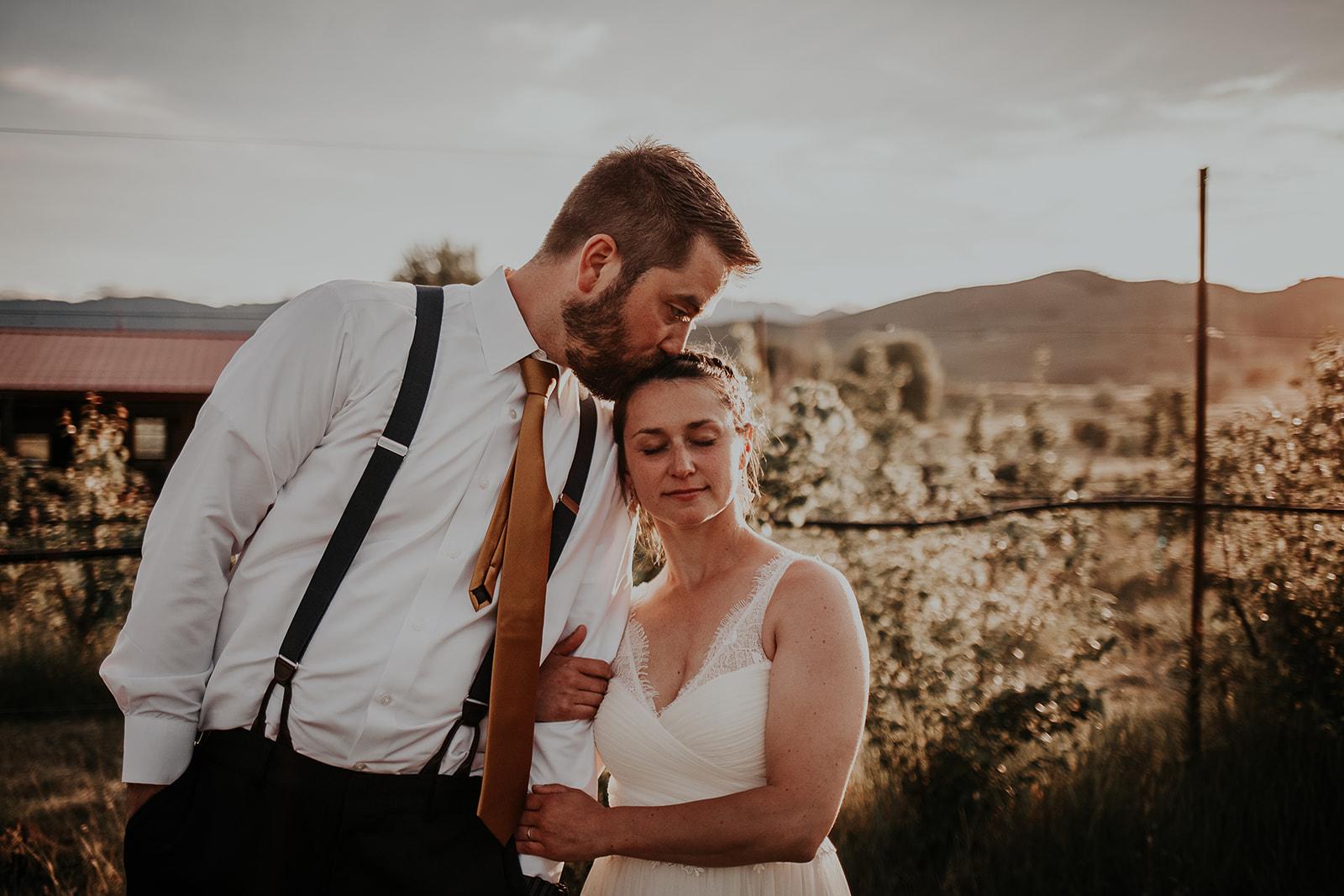 north-cascades-elopement-wedding-winthrop-wedding-photographer-megan-gallagher-photography (32).jpg