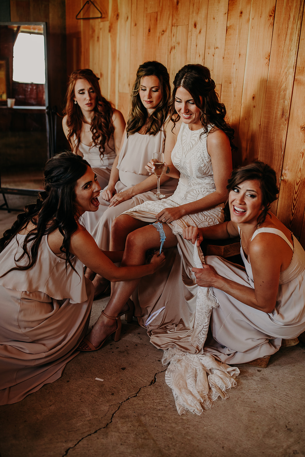 mount-vernon-wedding-salt-box-barn-amanda-riley-megan-gallagher-photography-2_(189_of_215).jpg