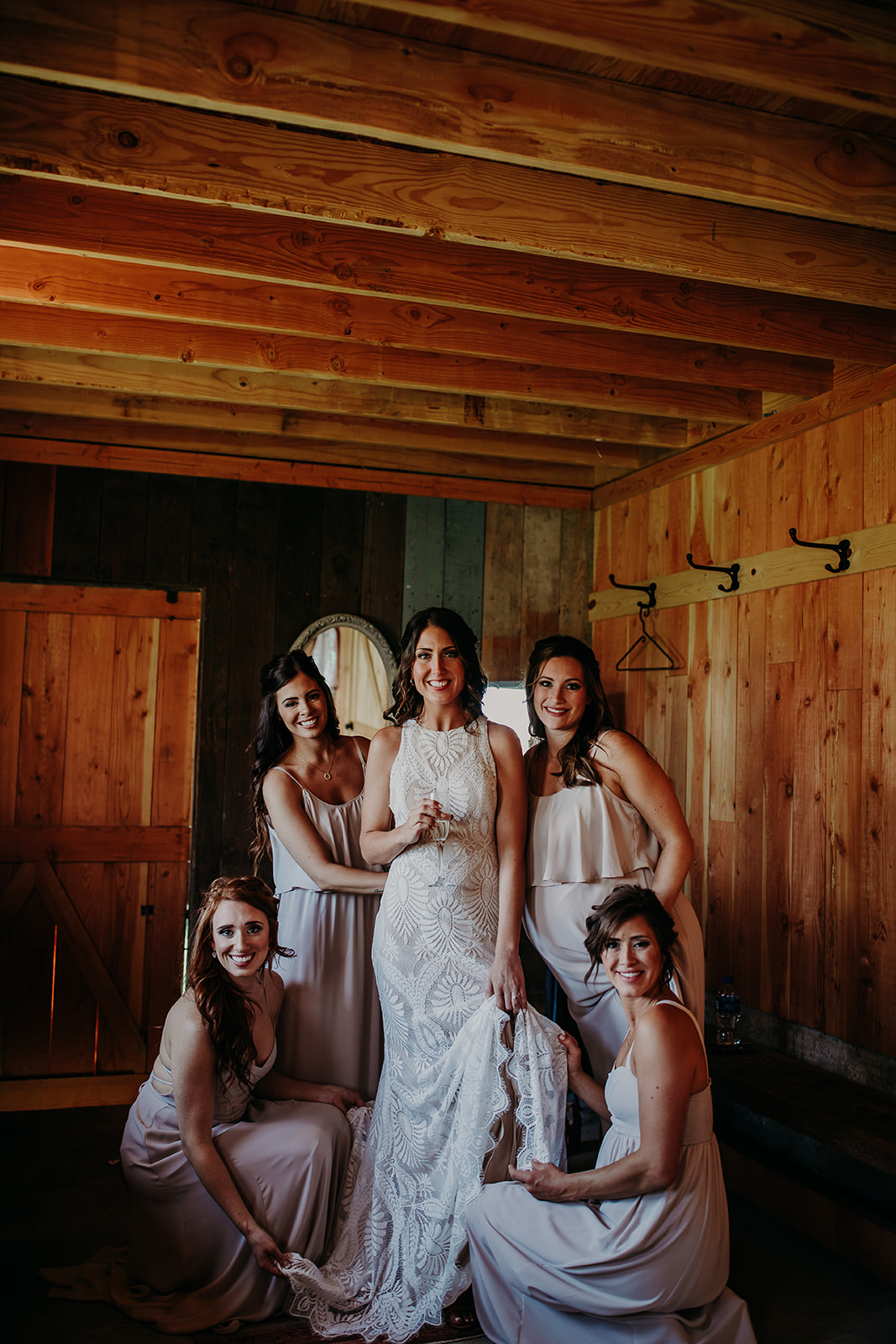 mount-vernon-wedding-salt-box-barn-amanda-riley-megan-gallagher-photography-2_(204_of_215).jpg