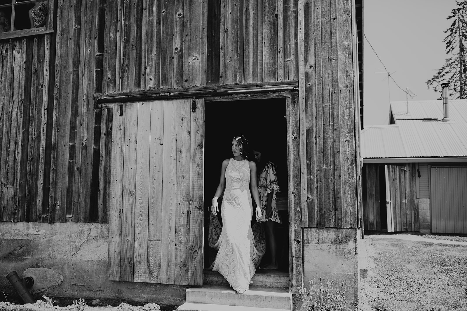 mount-vernon-wedding-salt-box-barn-amanda-riley-megan-gallagher-photography-3_(135_of_250).jpg
