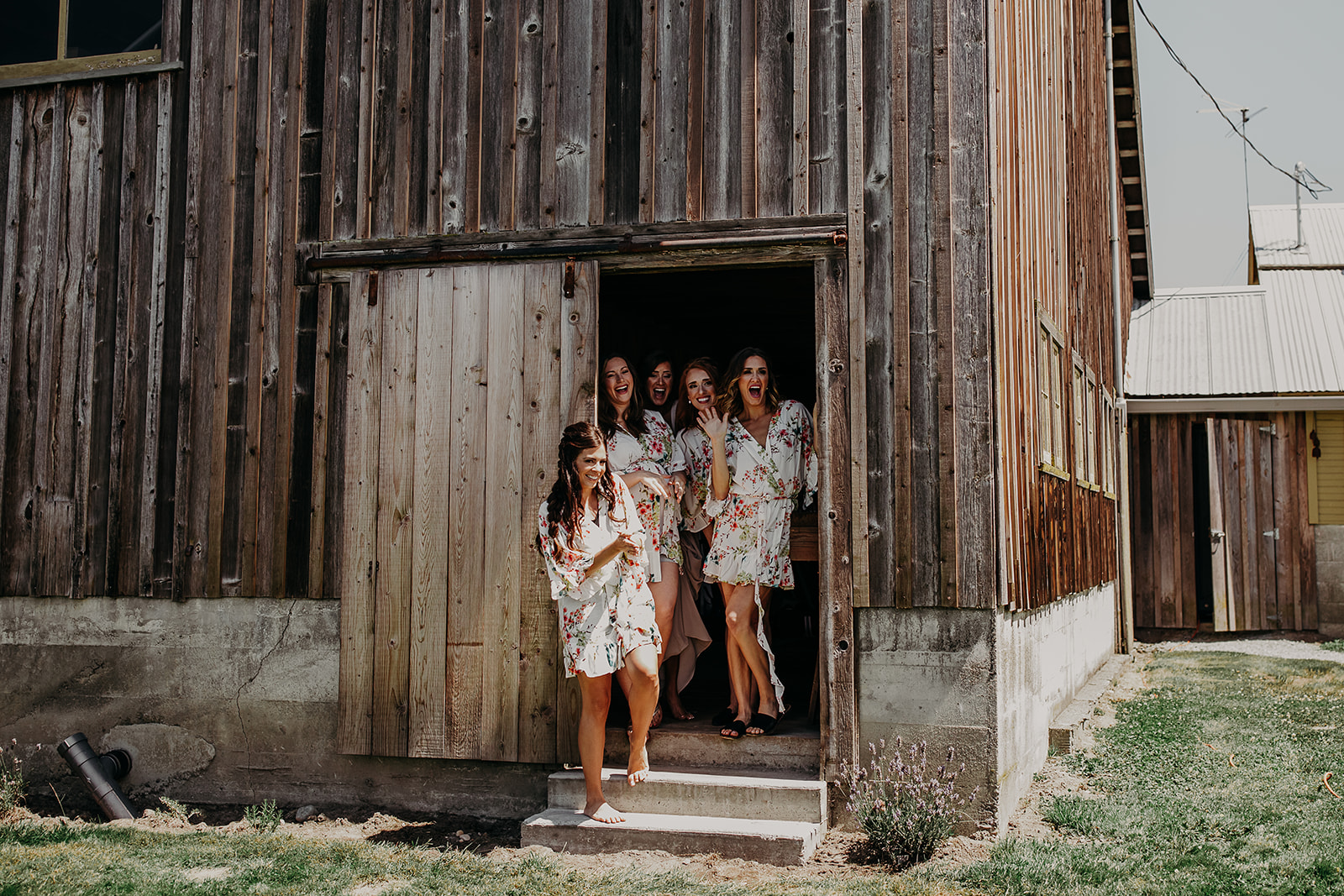 mount-vernon-wedding-salt-box-barn-amanda-riley-megan-gallagher-photography-3_(159_of_250).jpg