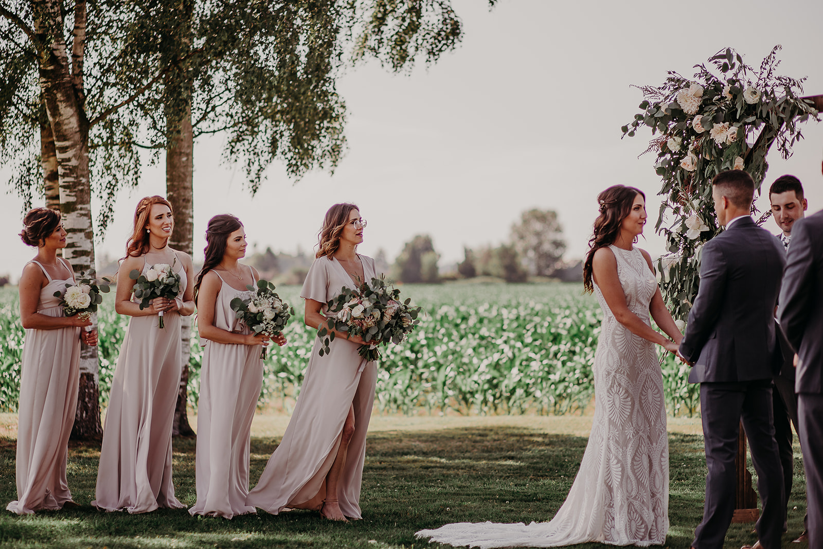 mount-vernon-wedding-salt-box-barn-amanda-riley-megan-gallagher-photography-1_(99_of_351).jpg