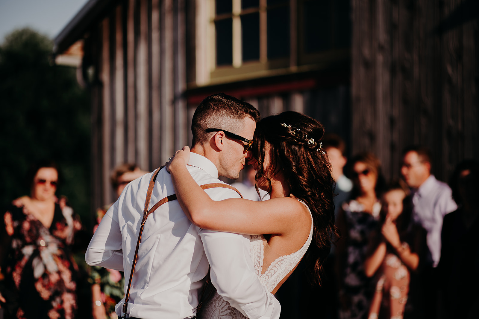 mount-vernon-wedding-salt-box-barn-amanda-riley-megan-gallagher-photography-1_(286_of_351).jpg