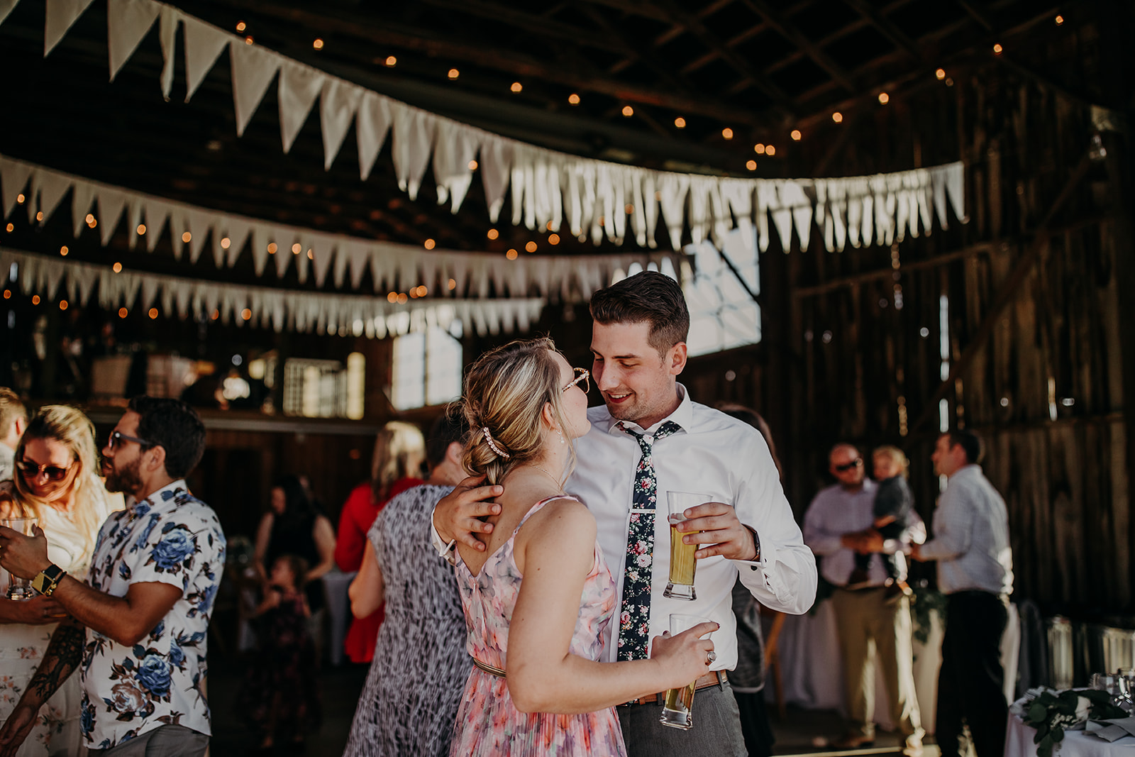 salt-box-barn-wedding-megan-gallagher-photography-4_(265_of_329).jpg