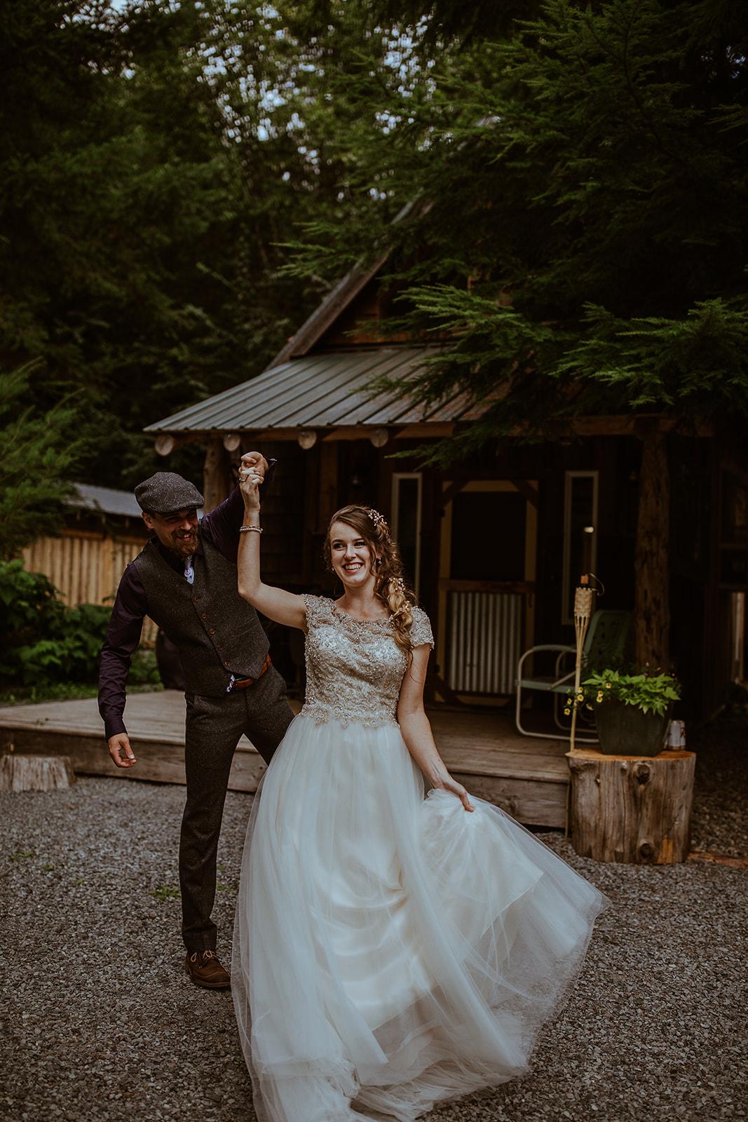 mount-rainier-cabin-elopement-megan-gallagher-photography_(150_of_568).jpg