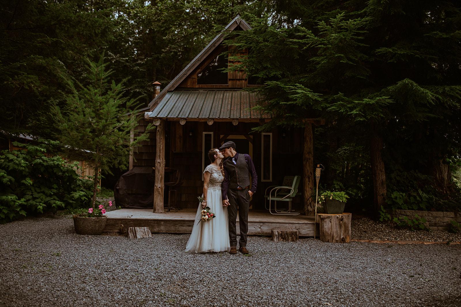 mount-rainier-cabin-elopement-megan-gallagher-photography_(179_of_568).jpg