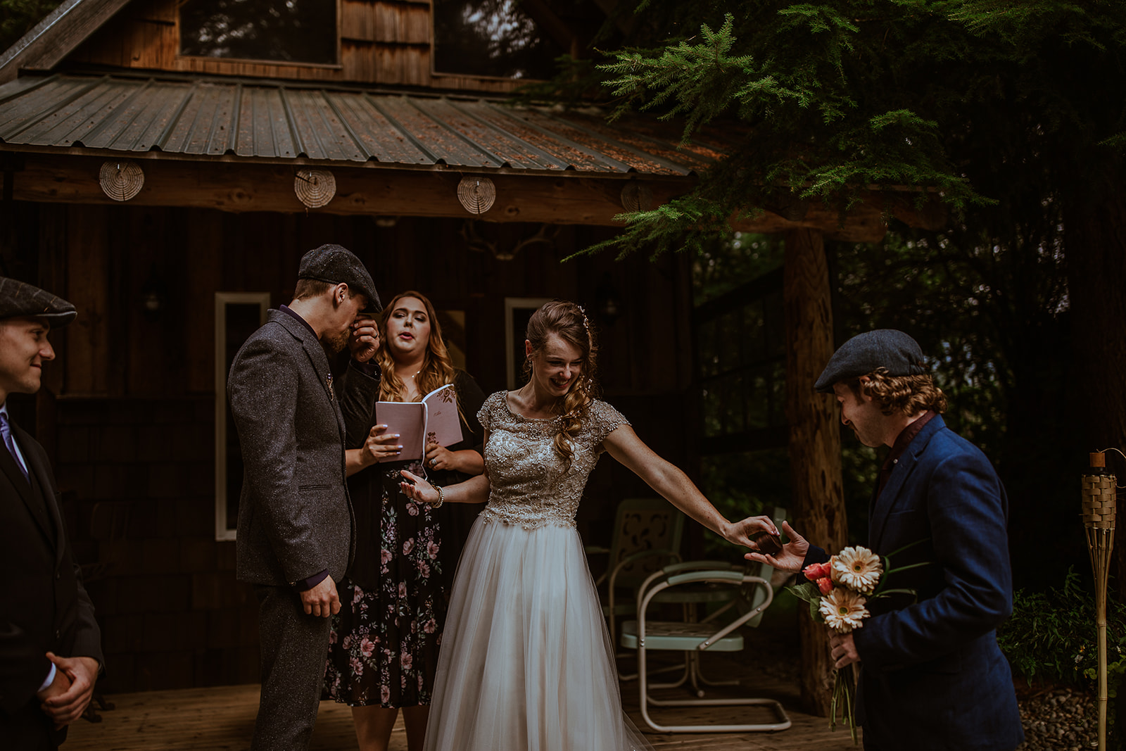 mount-rainier-cabin-elopement-megan-gallagher-photography_(241_of_568).jpg