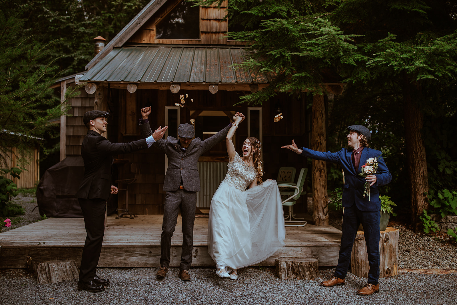 mount-rainier-cabin-elopement-megan-gallagher-photography_(250_of_568).jpg