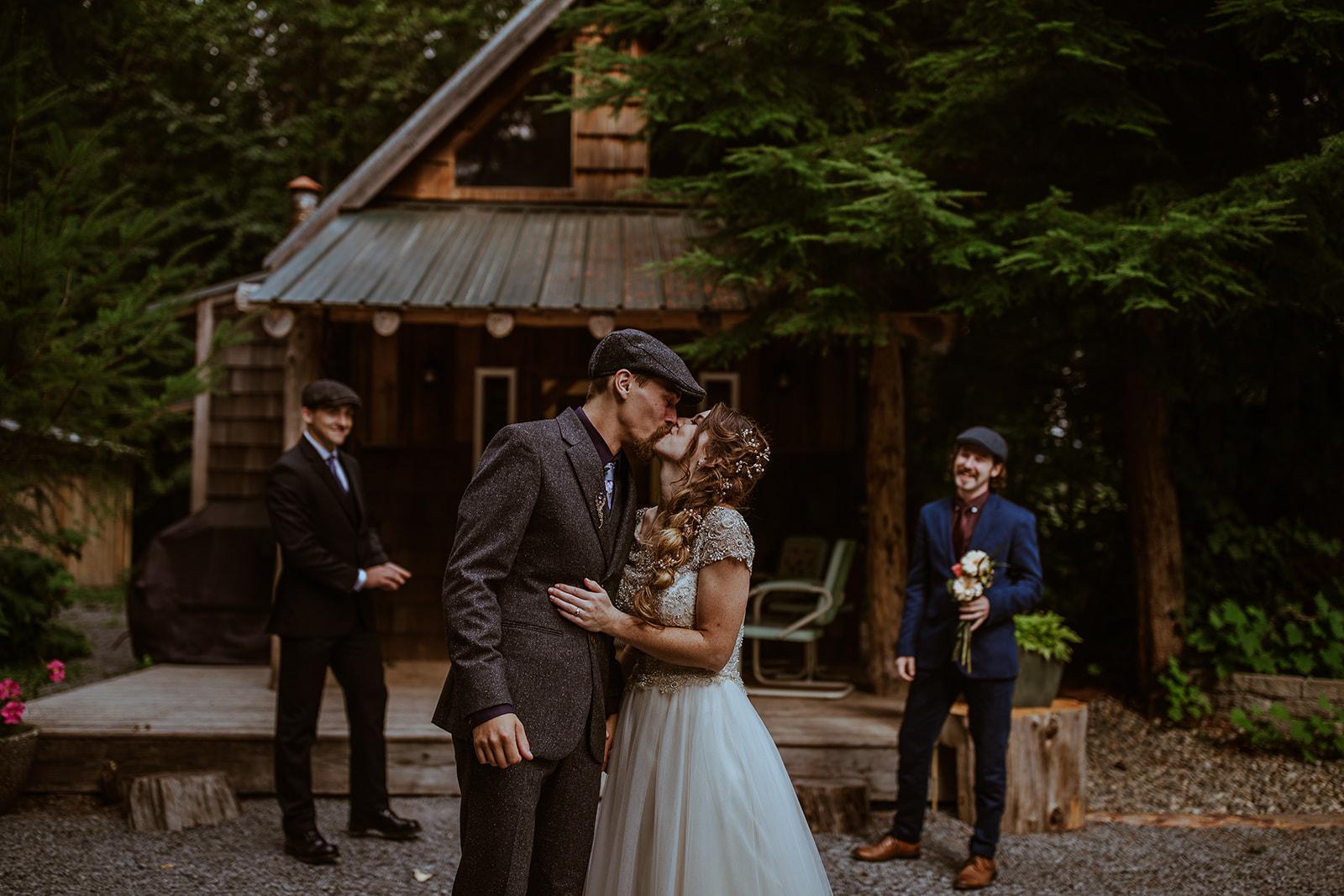 mount-rainier-cabin-elopement-megan-gallagher-photography_(262_of_568).jpg
