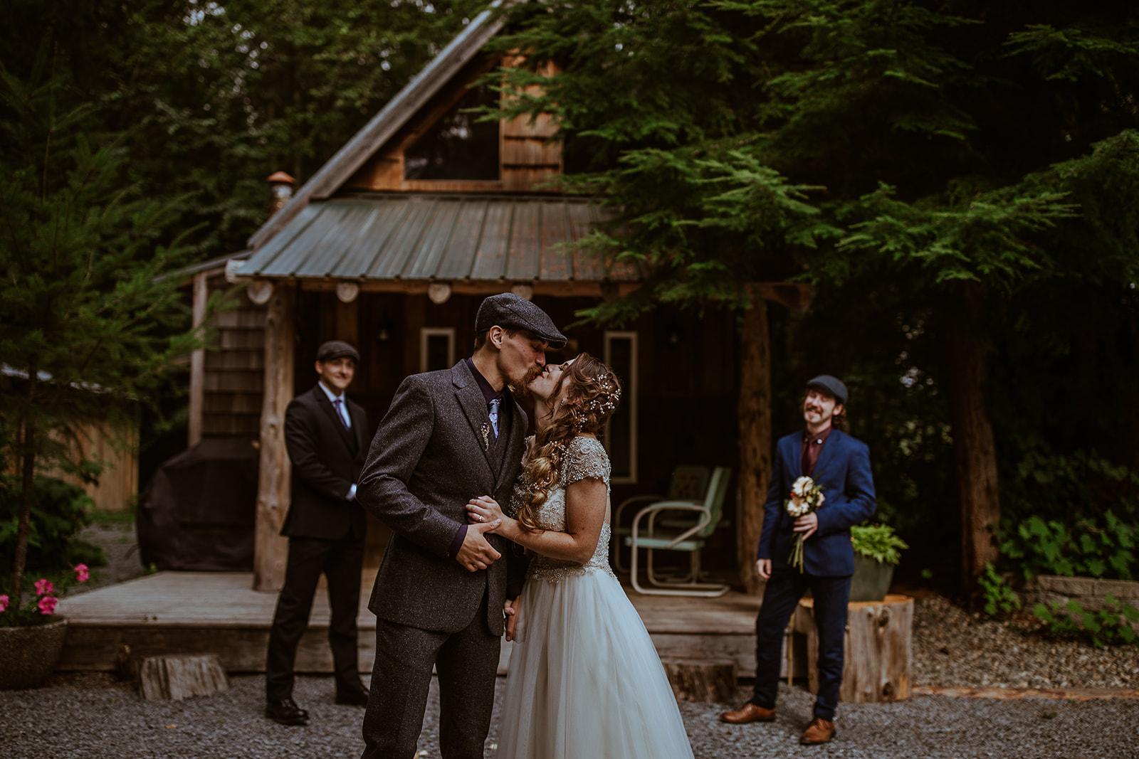 mount-rainier-cabin-elopement-megan-gallagher-photography_(263_of_568).jpg