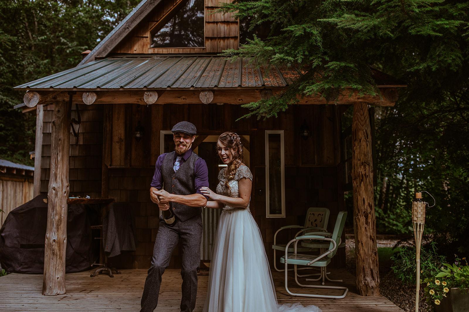 mount-rainier-cabin-elopement-megan-gallagher-photography_(313_of_568).jpg
