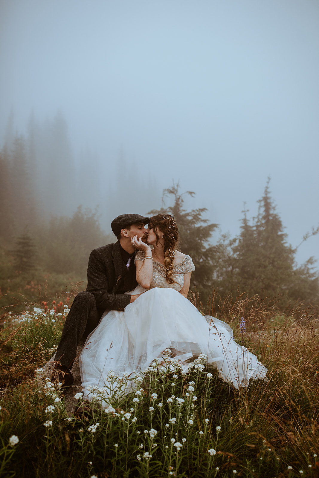 mount-rainier-cabin-elopement-megan-gallagher-photography_(411_of_568).jpg