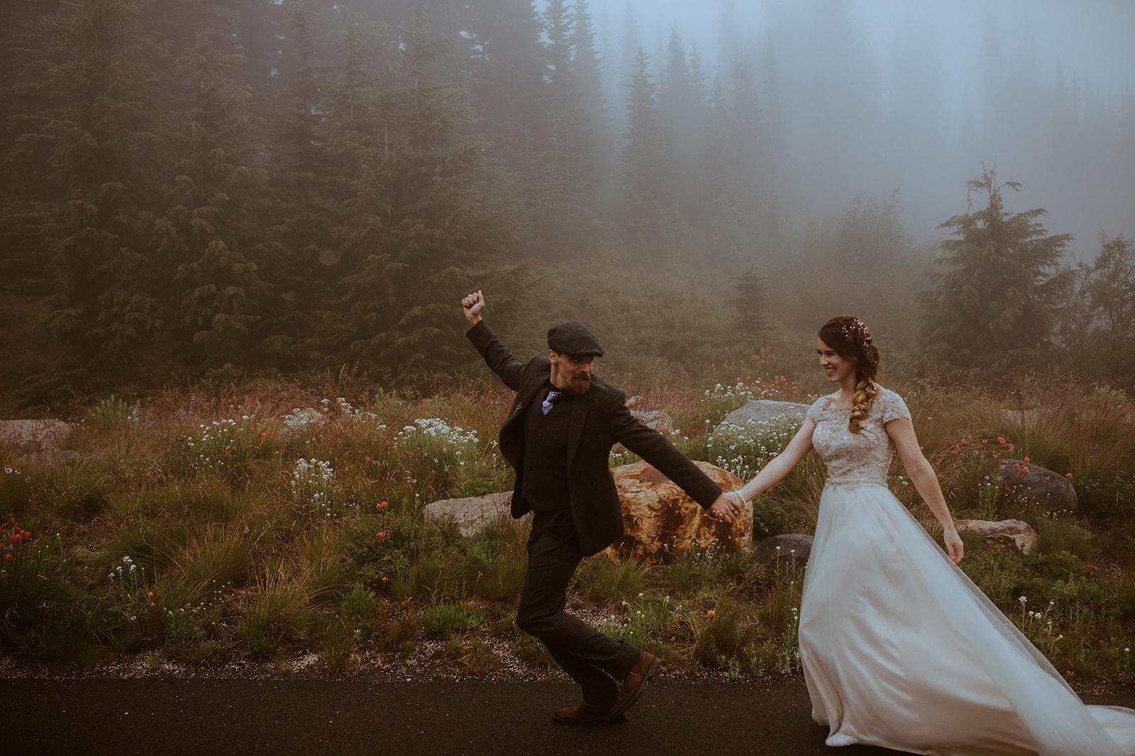 mount-rainier-cabin-elopement-megan-gallagher-photography_(440_of_568).jpg