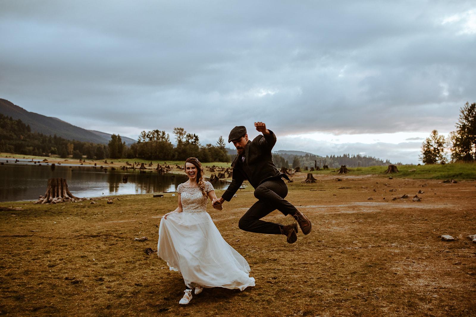 mount-rainier-cabin-elopement-megan-gallagher-photography_(510_of_568).jpg