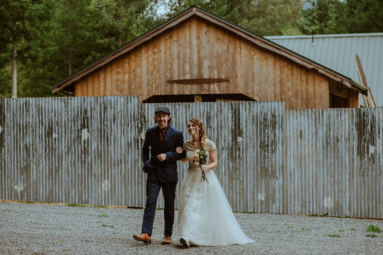 mount-rainier-cabin-elopement-megan-gallagher-photography-2_(2_of_42).jpg