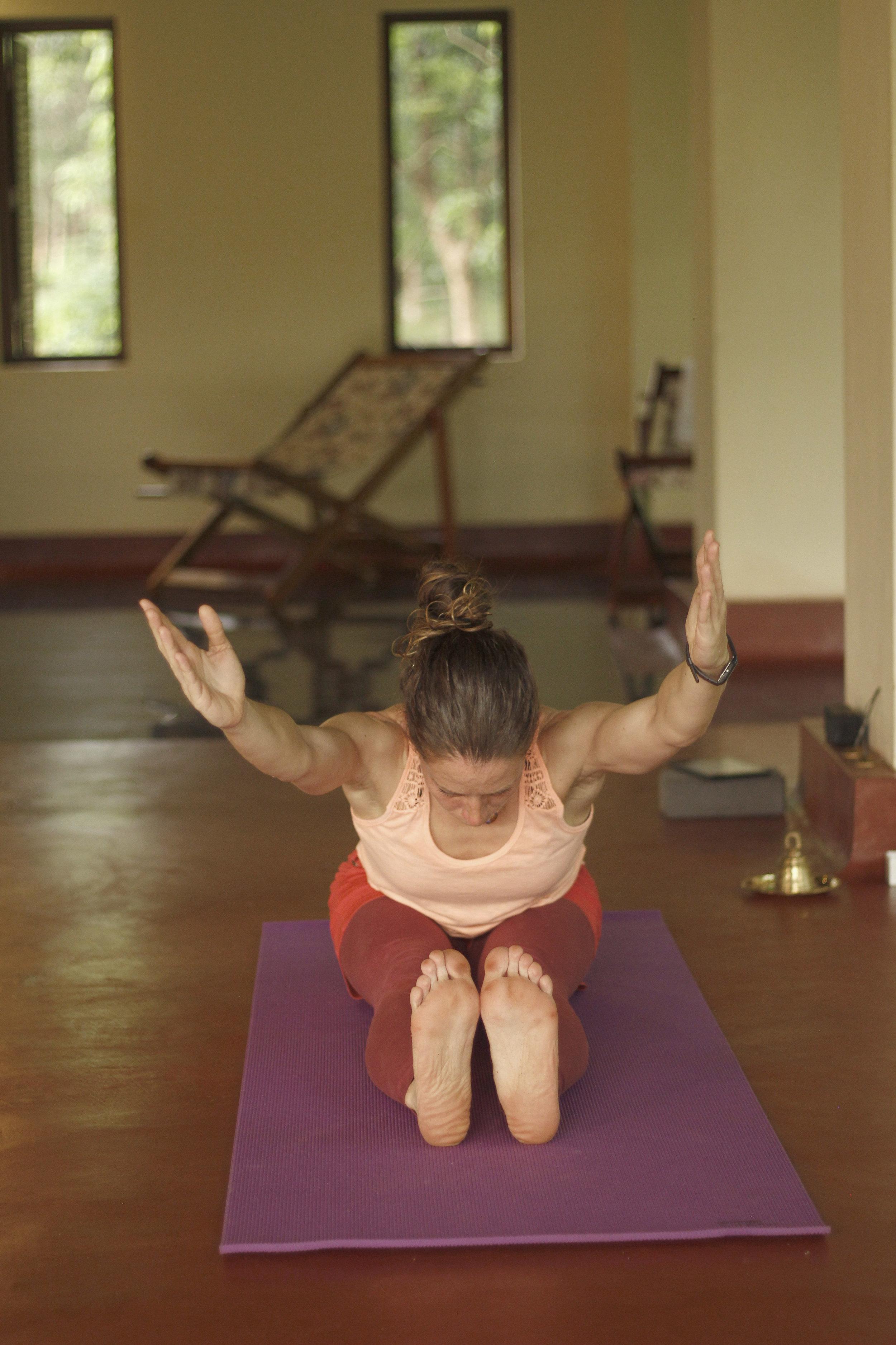 Stretching - Sara Newman - SF Studios