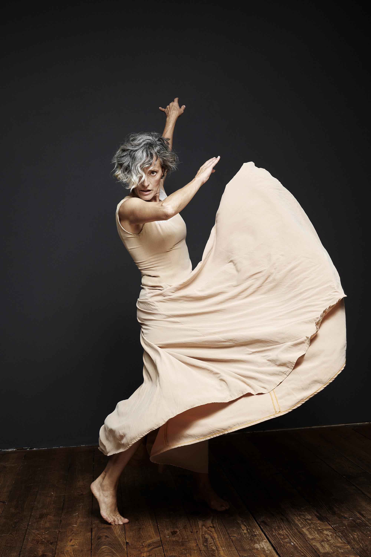 Eva Magyar - Dance Therapy Course in SF Studios