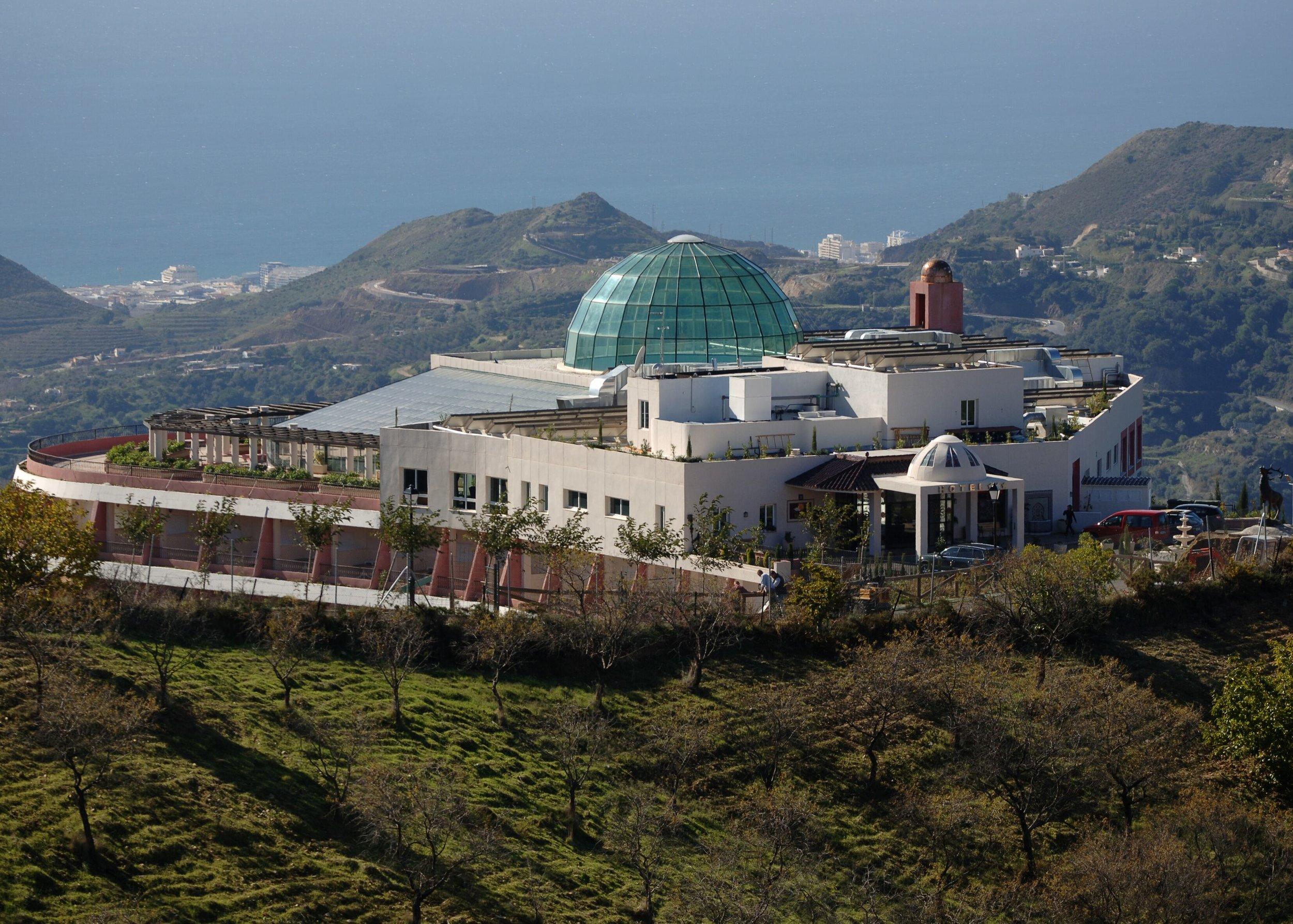 Our HQ set in 4 star hotel in Sierra de las Nieves immediately onto the best bike trails……..