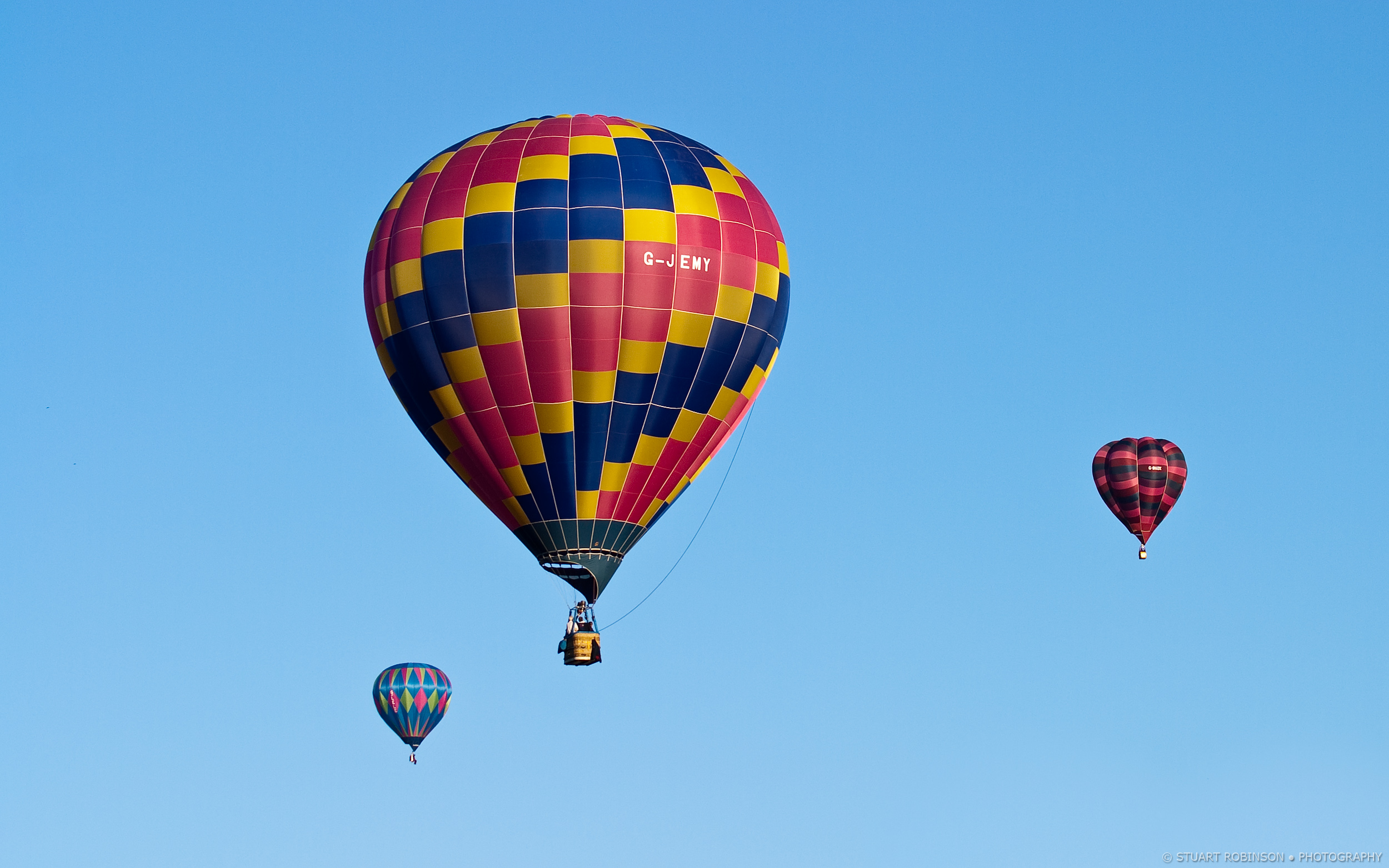 Llangollen Balloon Festival  - Canon EOS 5D Mark II, EF 100-400mm f/4.5-5.6L IS USM, 1/250 sec at f/6.7, ISO 100