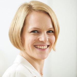 Profilbild Cornelia Altenburg_bea.jpeg