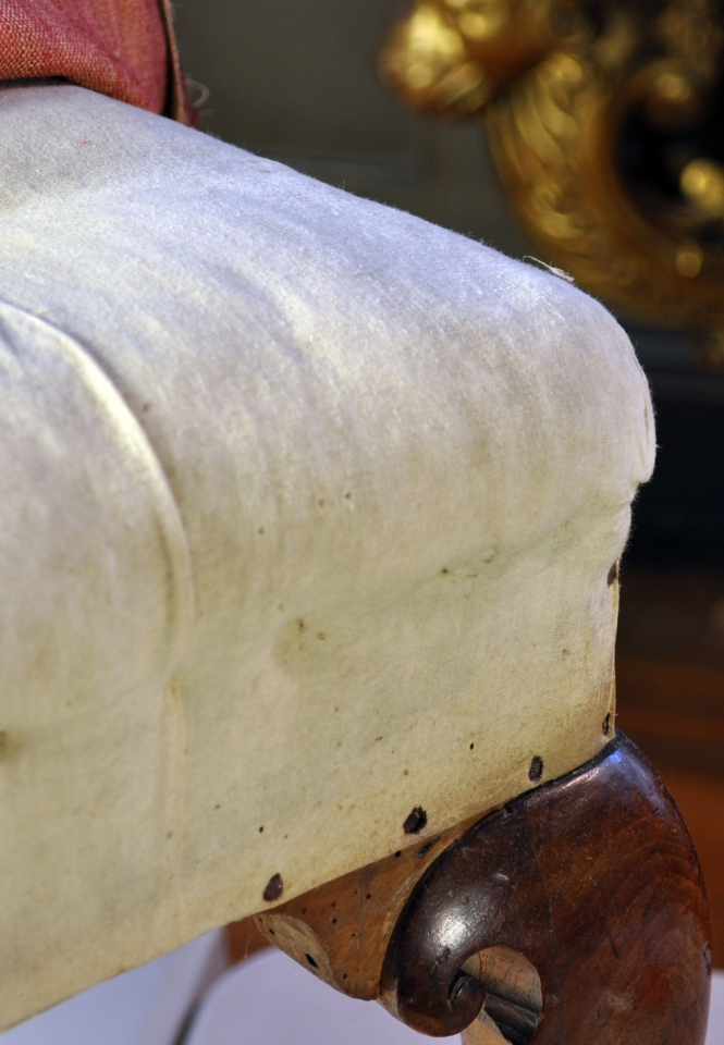 Detail of the seat, loose cover folded back