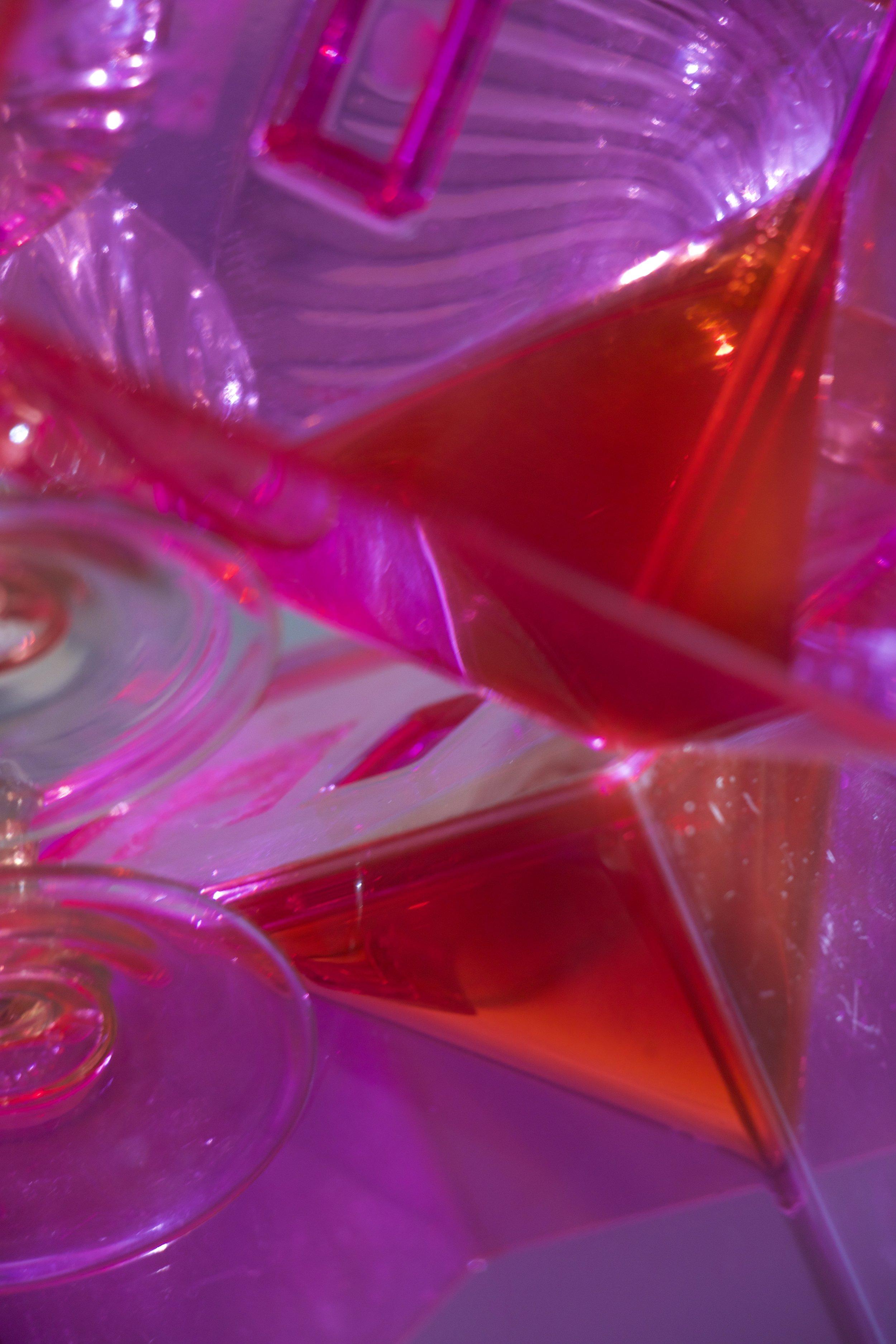 LIQUID PYRAMIDS. DESSERT GLASS & PLEXIGLASS BOX SERIES. 2017