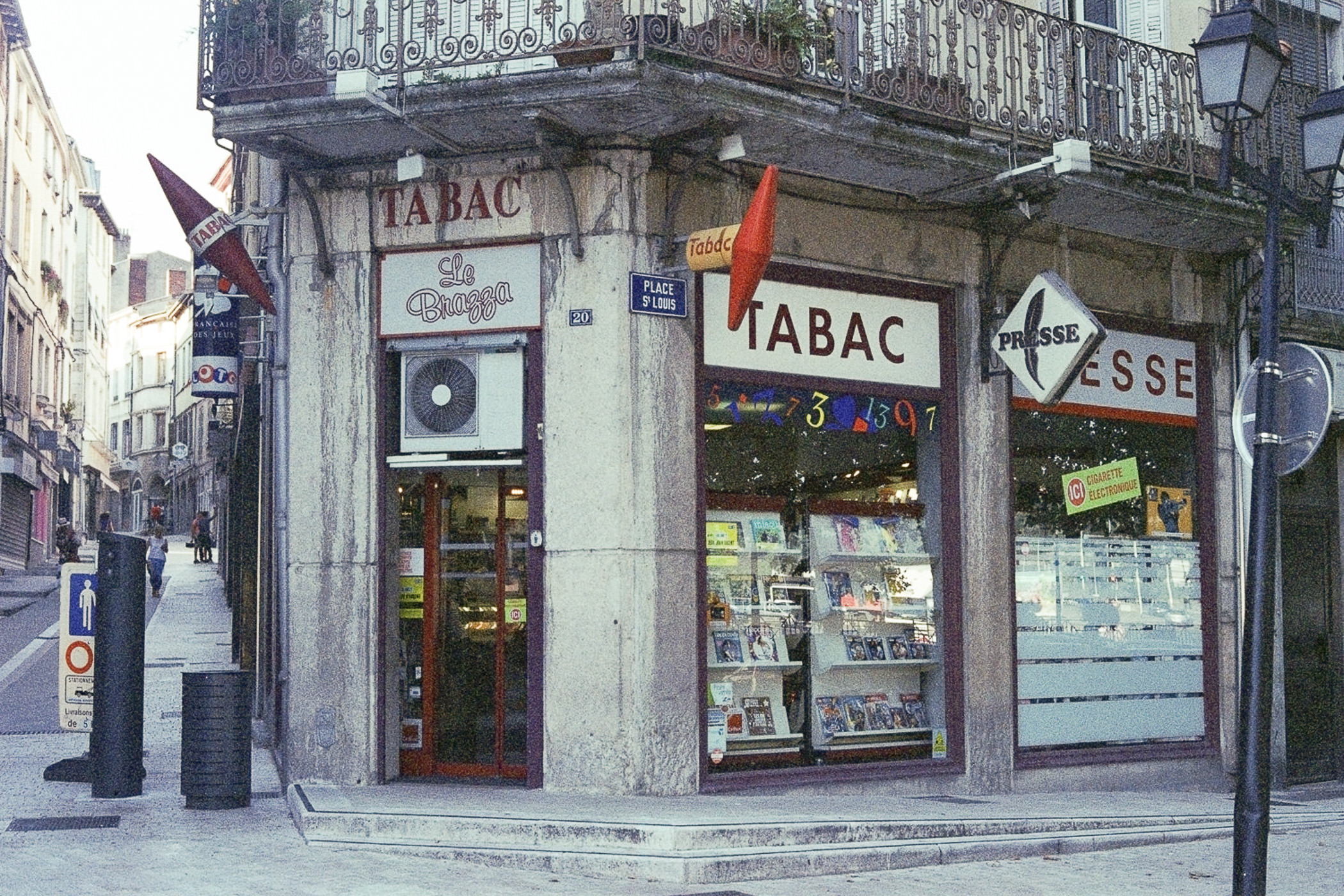 BAR TABAC_7.jpg