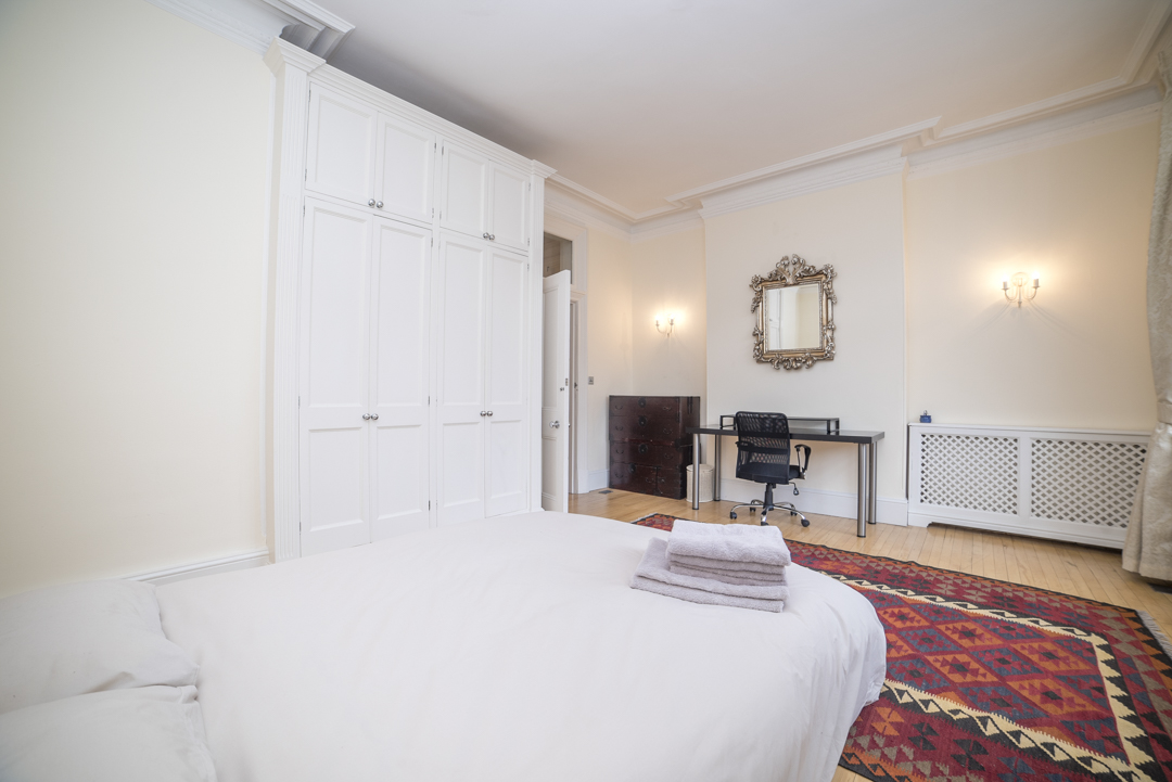 2-inexpensive-airbnb-property-photography-london.JPG