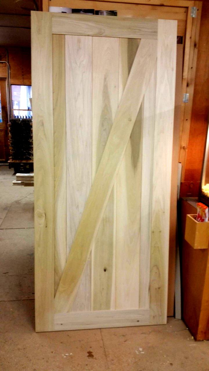 custom-poplar-wood-door.JPG