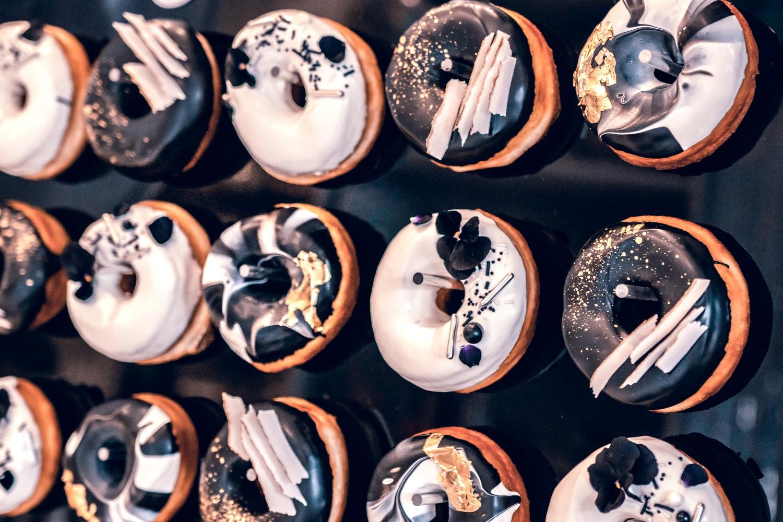 Monochrome donuts