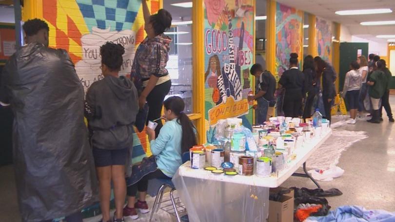 rochelle+mural.JPG