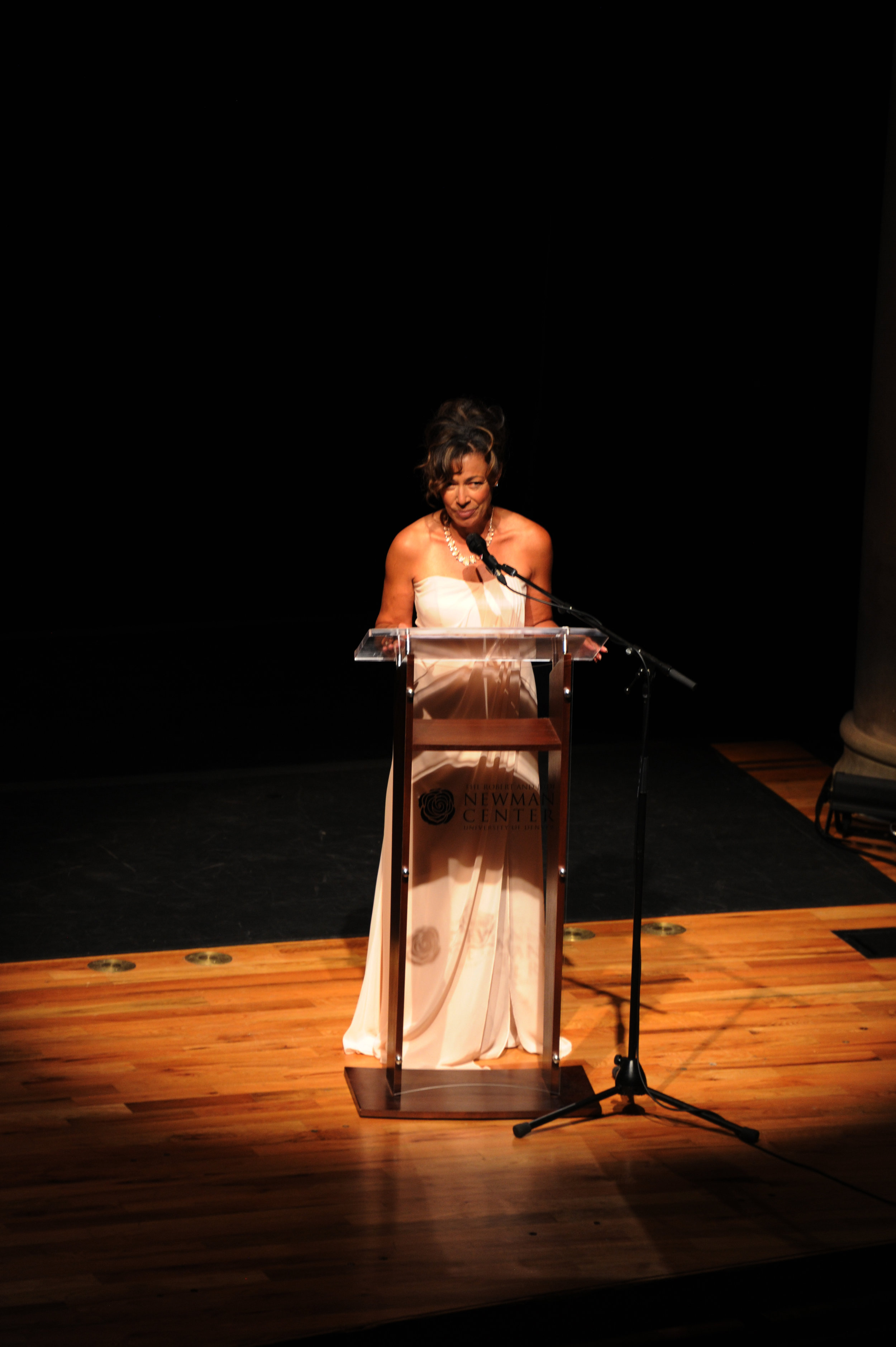 TamAra SERVES AS MASTER OF CEREMONIES