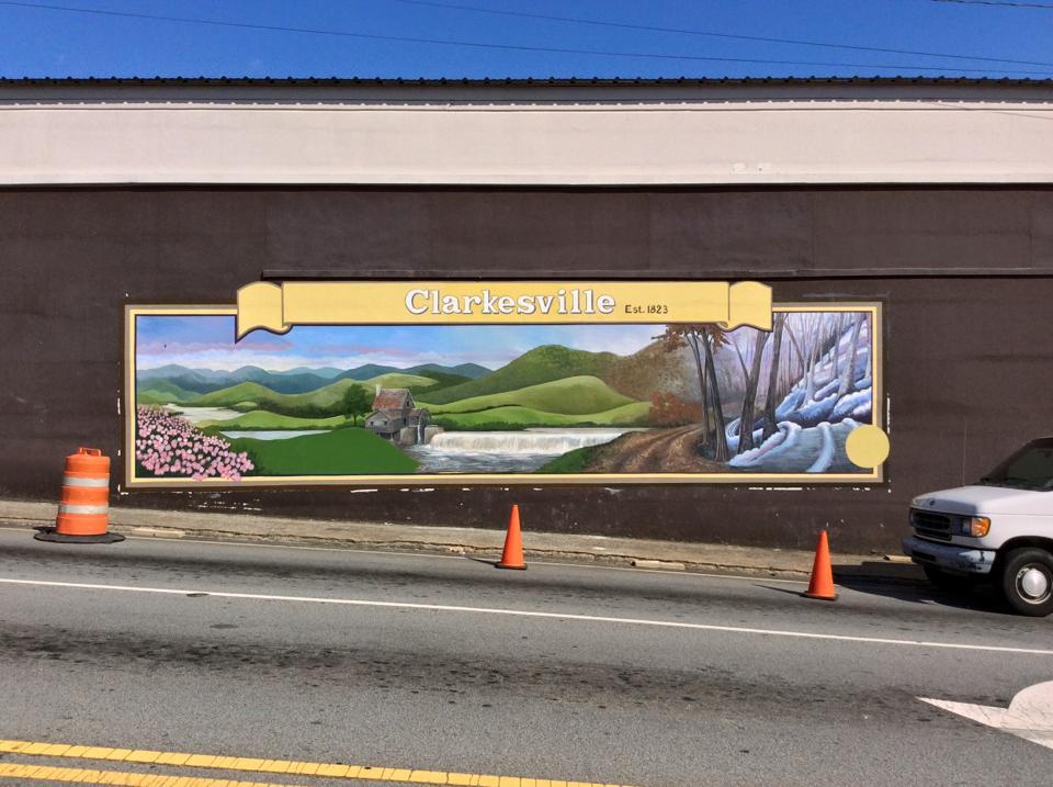 Clarkesville mural.jpg