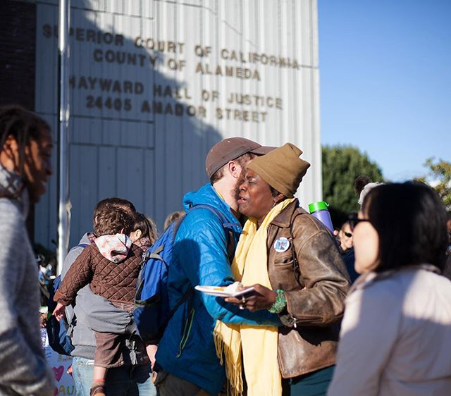 Today, 70+ Bay Area community members of all ages turned out to #DefendAuntiFrances and to call for #ClosetheLoopholes! We shared free breakfast, Self-Help Hunger Program style, with folks going to court, many who are also facing evictions. Thank you to everyone who came out, to the 50+ supporting community groups, and to Food Not Bombs, Coffee Not Cops, and Phat Beets for the food and beverages!