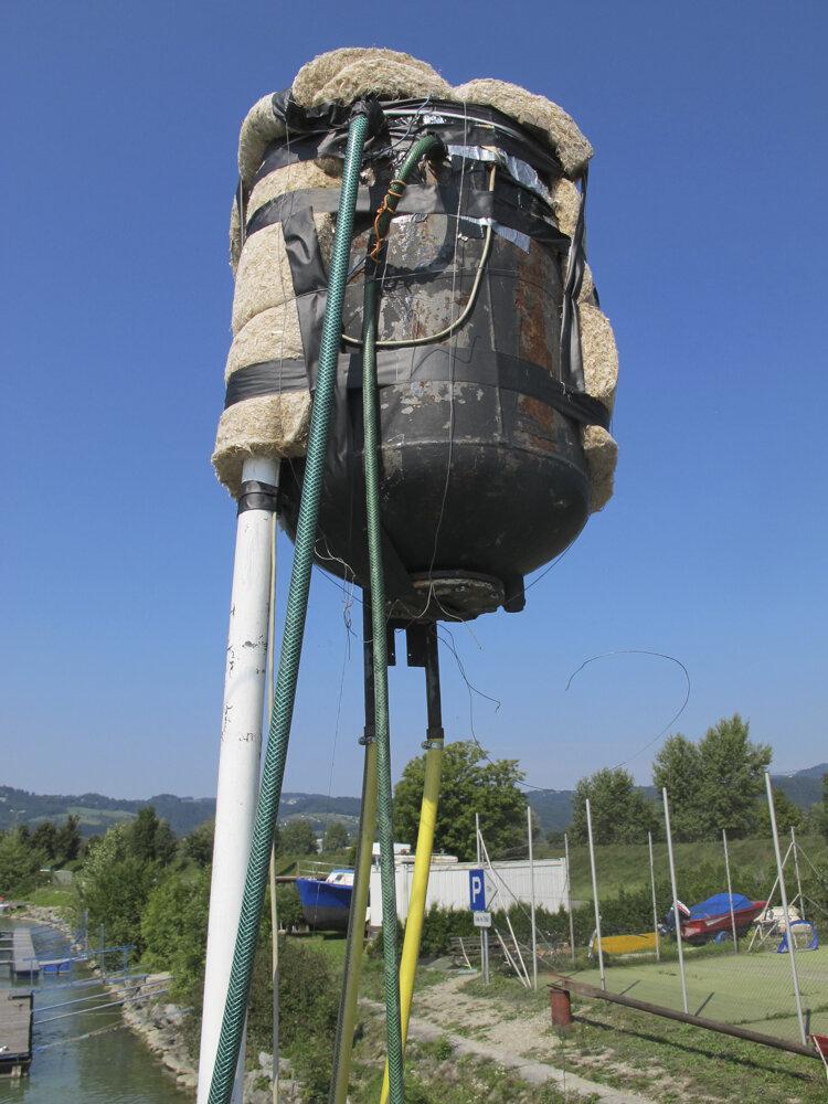 Water tank on Eleonore