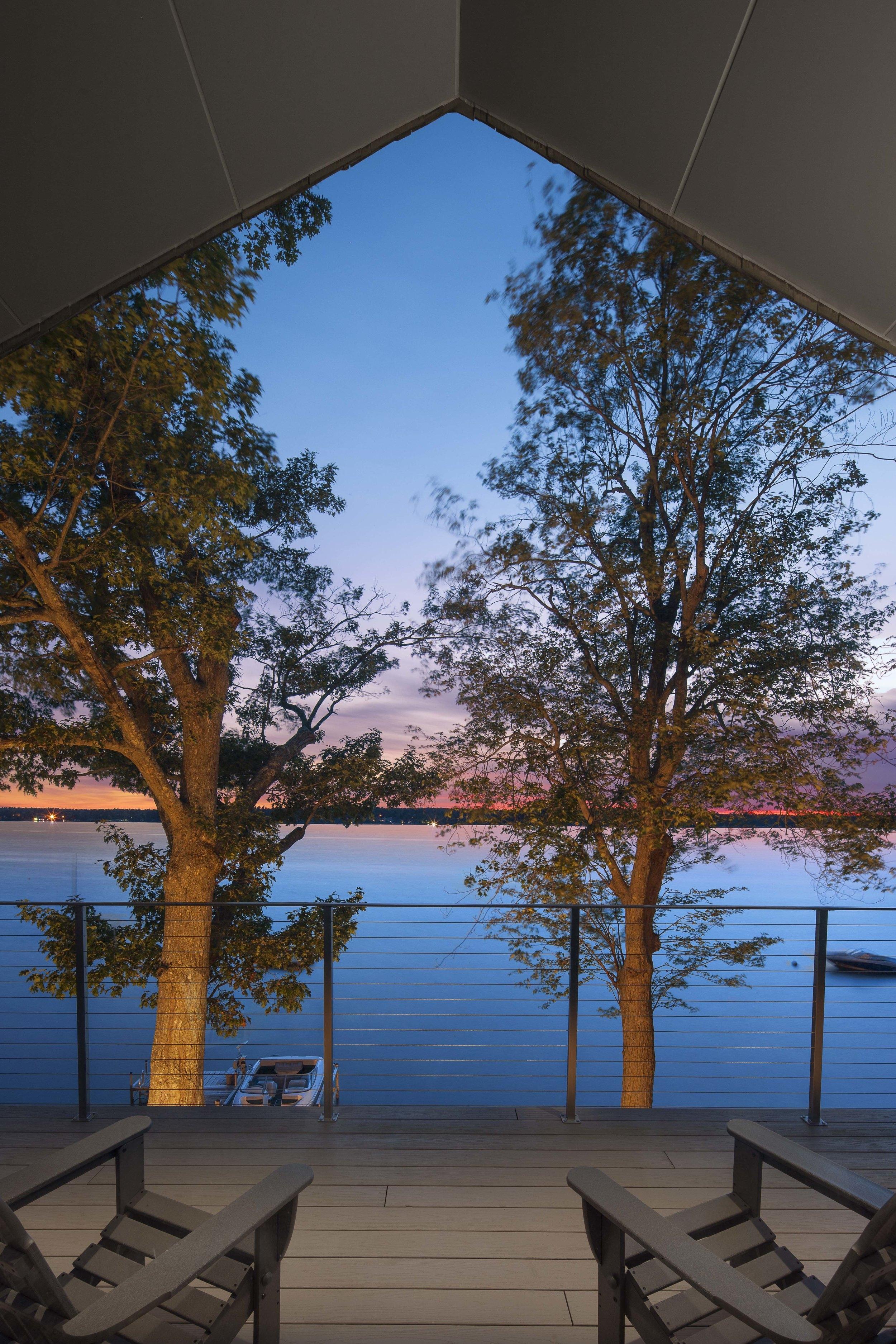 13sum_cottage_deck.jpg