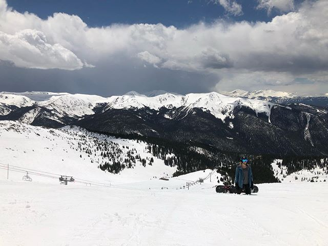 Like the fat kid who ate Taco Bell before summer school, A-Basin's got the June runs. . . . Still skiing, crossing my fingers for a July 4th party at the beach. • • • • • #ski #baywatch #springskiing #skiing #snowboard #snowboarding #snow #powder #outdoorresearch #skier #arcteryx #creek #thenorthface #pow #skiresort #tent #esqui #freeski #wintersports #hiker #patagonia #winter #rei #trout #gear #climbing #flyfishing #backcountry #mountainbiking #mountainbike