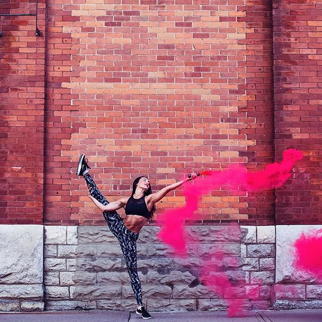 Chasing dreams w/ fellow entrepreneur @dancetoitall from @pembrokepolefitness - this girls got talent 🙌 #fitnessgoals #justdance #portraits_vision #nike #lifestyle #nikon #portraits_mf #shotz_oftheworld #portrait #ottawaphotographer #Westborostudio #letscreate