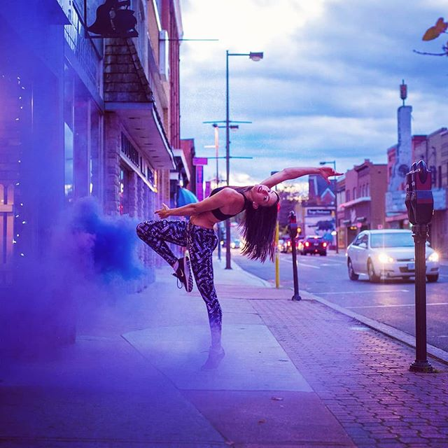 ✨Hitting the streets w/ @pembrokepolefitness owner @dancetoitall | #portraits_mf #dance #colourbomb #smokebomb  #visualcreators #pixel_ig #makeportraits #collectivelycreate #portraitsofficial #nikon #fitnessmotivation #shotzports #portraits_vision