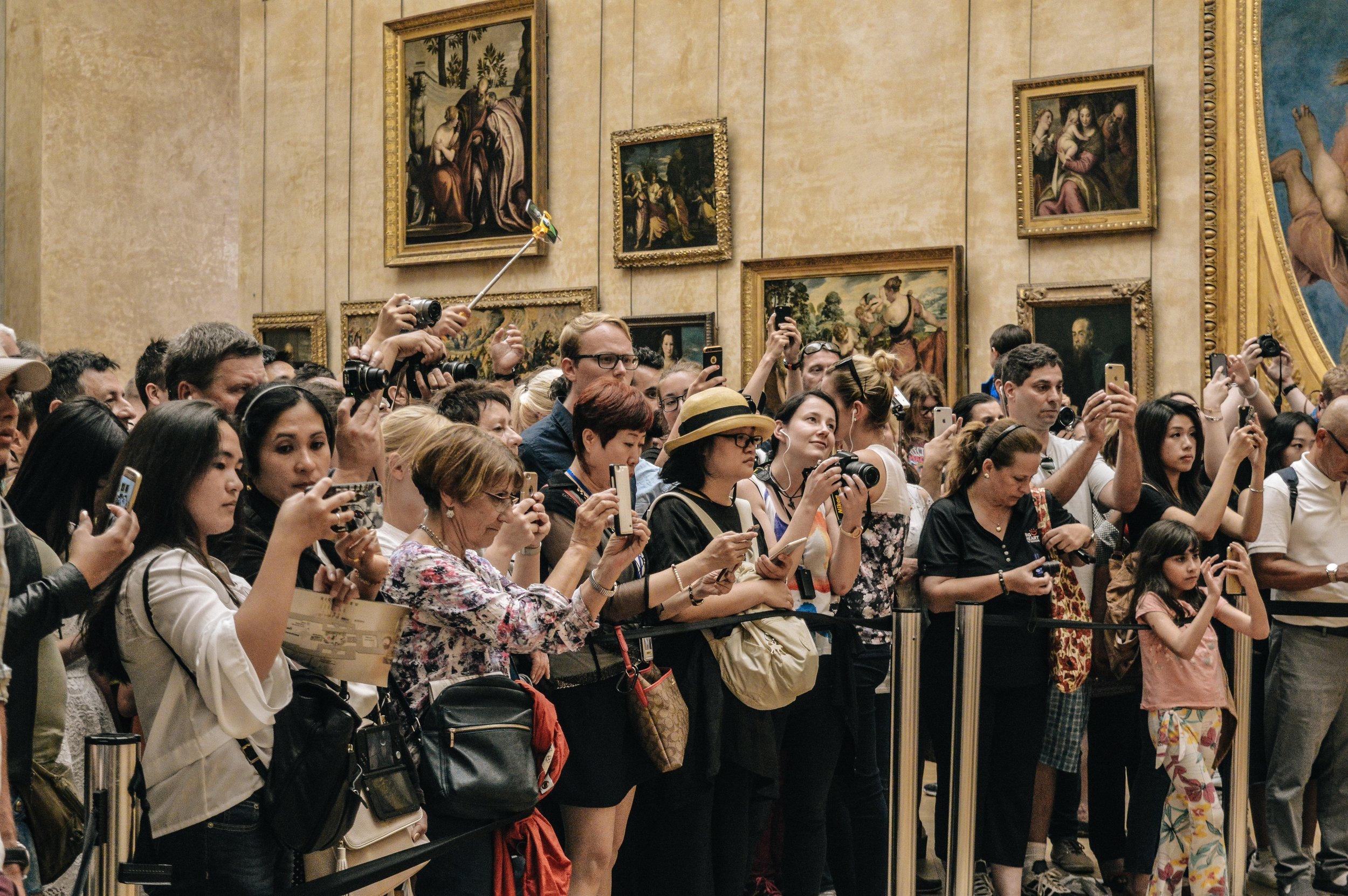You have to really want to visit the Louvre if you're going to fight these crowds.