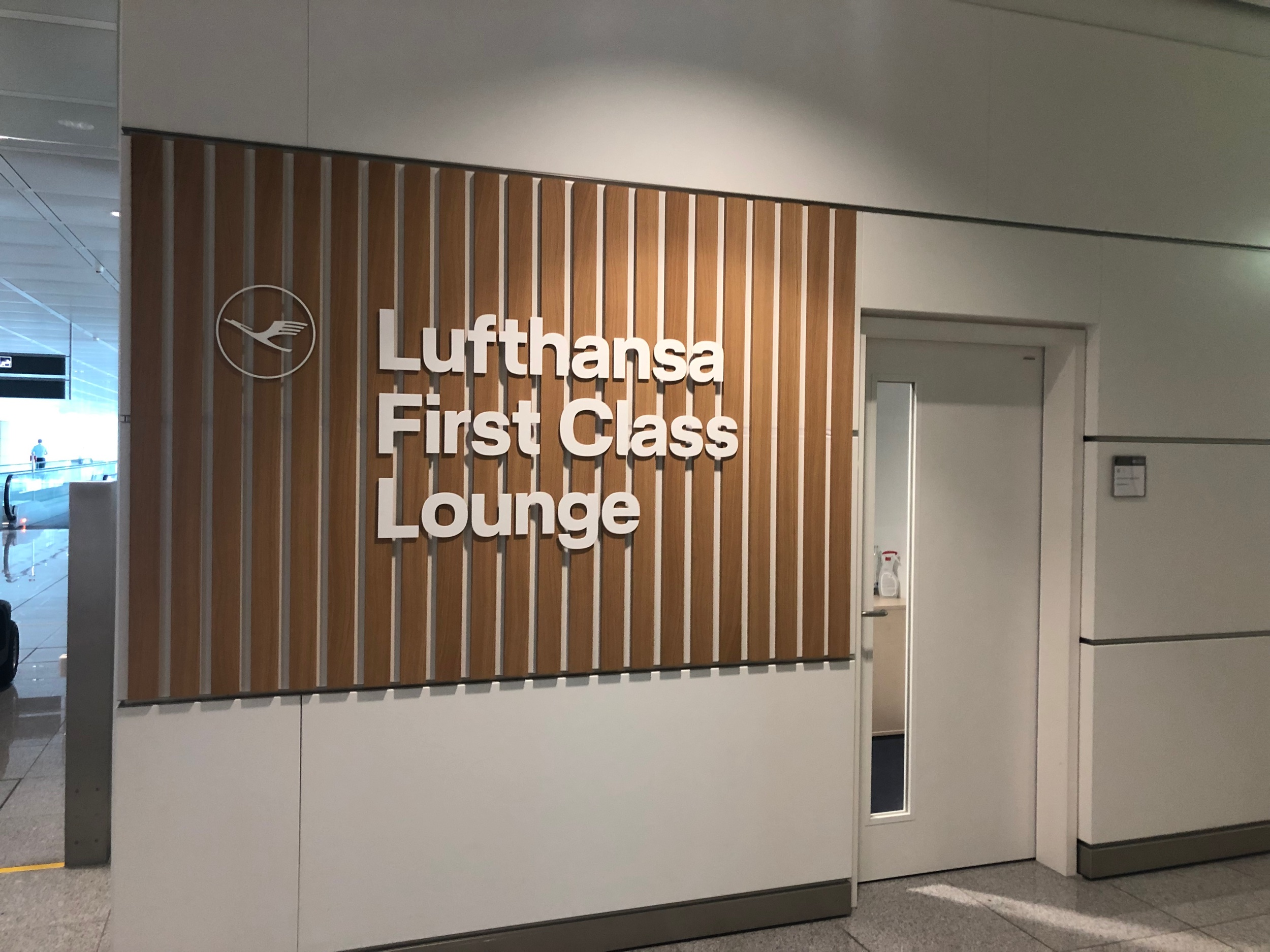 Lufthansa First Class Lounge Munich Entrance