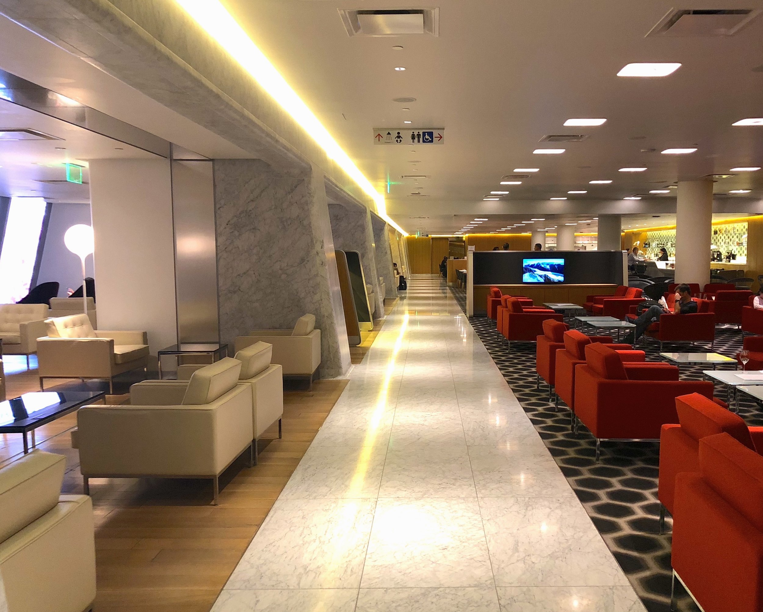 Qantas First Class Lounge –lounge area