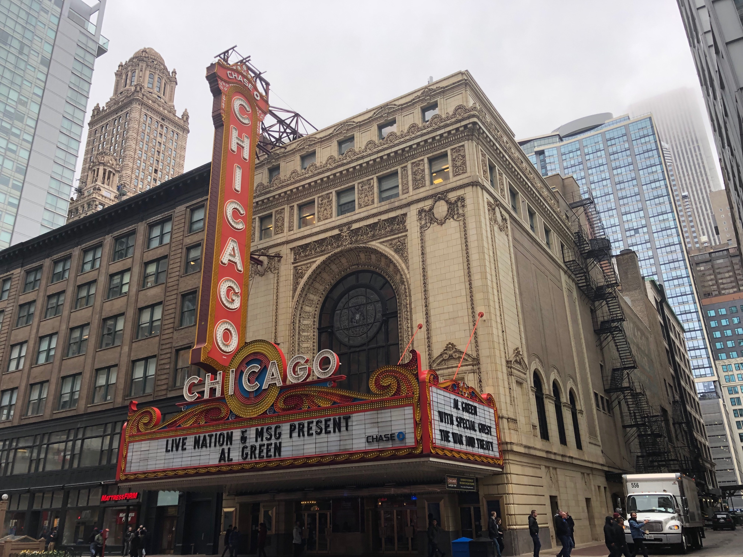 The Chicago Theatre - Historic Theatre Since 1921