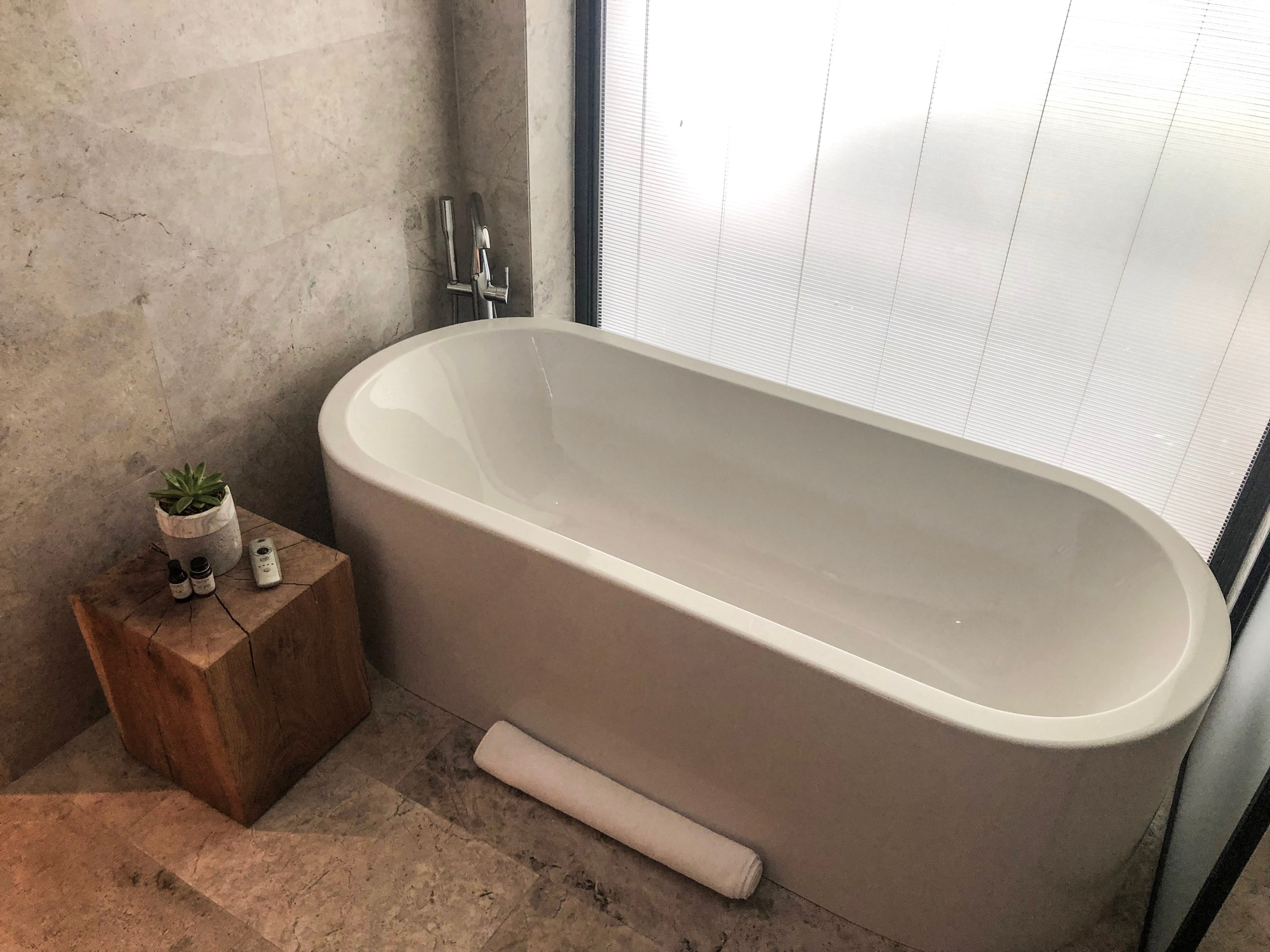 The Bodrum EDITION - Soaker Tub