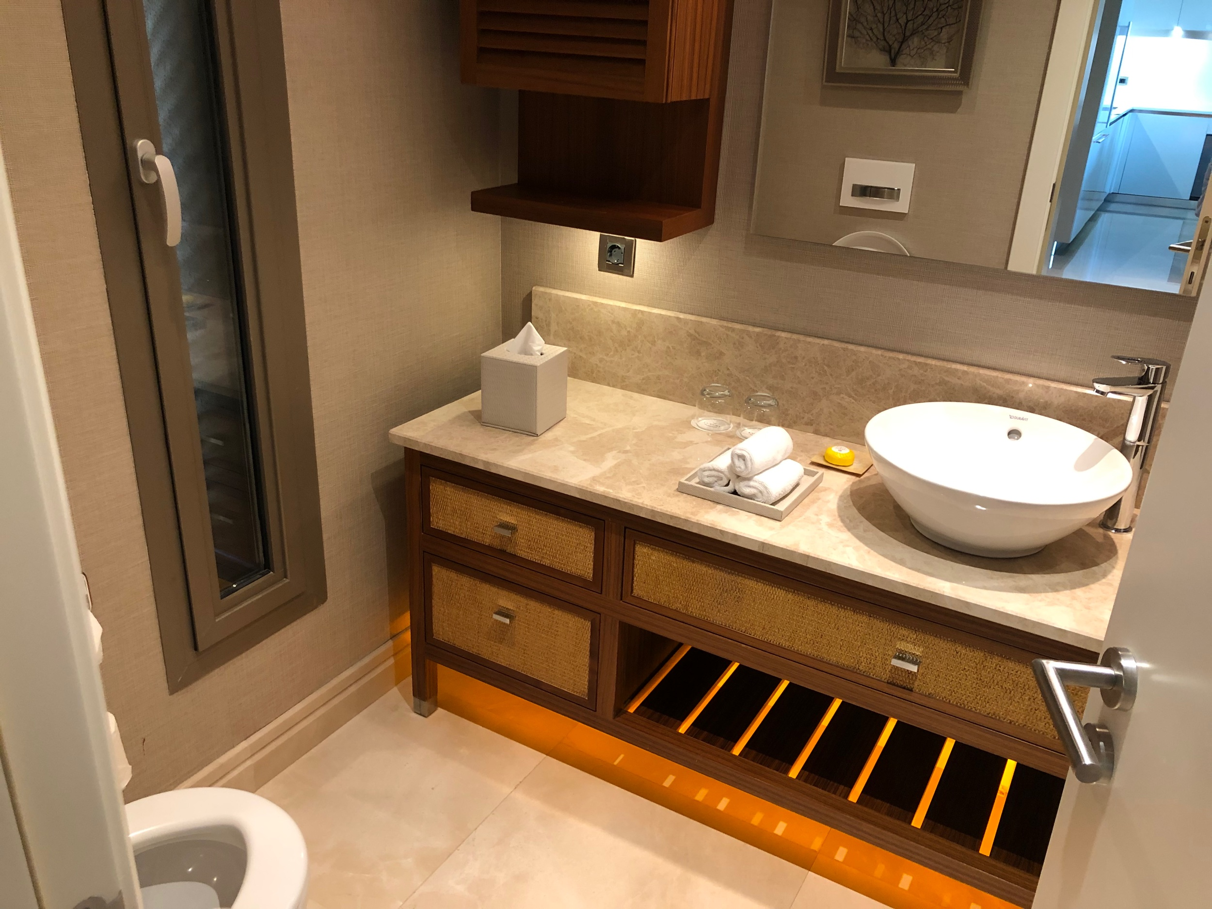 Caresse, a Luxury Collection Resort & Spa - Guest Bathroom