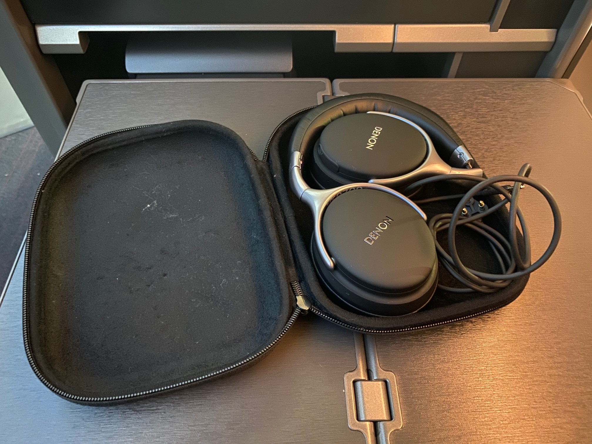 Turkish Airlines 787-9 Business Class Noise Cancelling Headphones