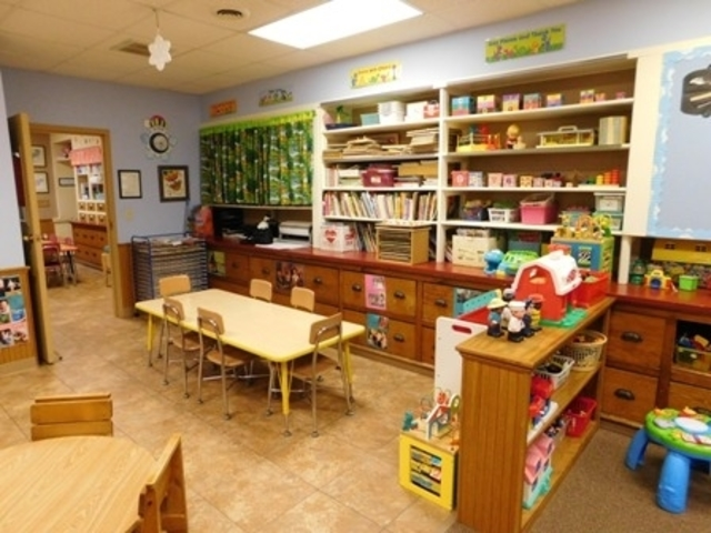 young toddlers play room